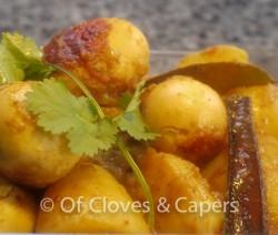 Dimer Dalna or Egg Curry